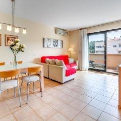 Отель Apartamento Vivalidays Mari Испания, Льорет-де-Мар - отзывы, цены и фото номеров - забронировать отель Apartamento Vivalidays Mari онлайн комната для гостей фото 4