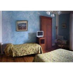 Отель Villa Toscanini Стреза сейф в номере