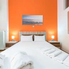 Отель Stylish Home in Koukaki комната для гостей