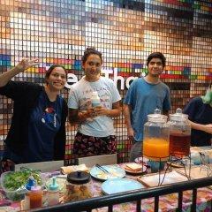 Zee Thai Hostel Бангкок питание фото 2