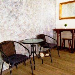 Отель FIRST 1 Boutique House at Sukhumvit 1 интерьер отеля