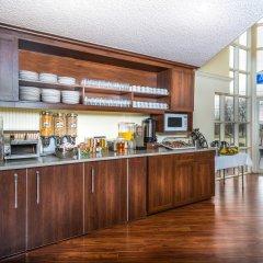 Отель Howard Johnson by Wyndham Quebec City Канада, Квебек - отзывы, цены и фото номеров - забронировать отель Howard Johnson by Wyndham Quebec City онлайн питание фото 2