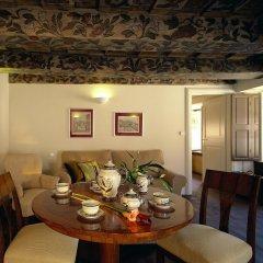 Iron Gate Hotel and Suites комната для гостей