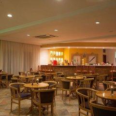 Отель Kefalos Beach Tourist Village гостиничный бар