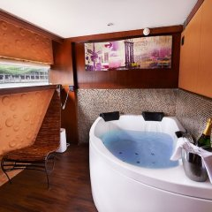 Отель VIP Paris Yacht Hotel Франция, Париж - отзывы, цены и фото номеров - забронировать отель VIP Paris Yacht Hotel онлайн бассейн фото 2