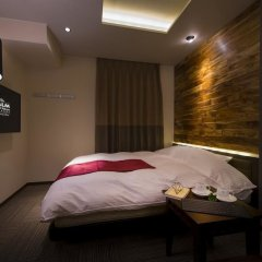 The CALM Hotel Tokyo - Adults Only сейф в номере