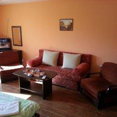 Отель Fotiadis Hotel Rooms & Studios Болгария, Велико Тырново - отзывы, цены и фото номеров - забронировать отель Fotiadis Hotel Rooms & Studios онлайн интерьер отеля