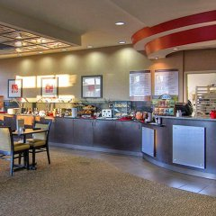 Отель Cambria Hotel Akron - Canton Airport США, Юнионтаун - отзывы, цены и фото номеров - забронировать отель Cambria Hotel Akron - Canton Airport онлайн питание