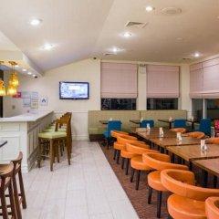 Отель Hilton Garden Inn Queens/JFK Airport США, Нью-Йорк - 1 отзыв об отеле, цены и фото номеров - забронировать отель Hilton Garden Inn Queens/JFK Airport онлайн питание