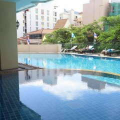 Отель Mike Beach Resort Pattaya бассейн