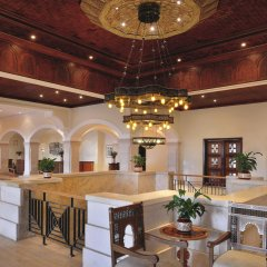 Отель Movenpick Resort & Spa Dead Sea интерьер отеля