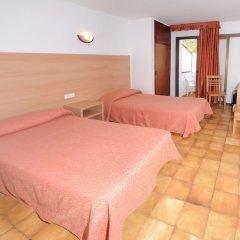 Отель Hostal Montaña Испания, Сан-Антони-де-Портмань - отзывы, цены и фото номеров - забронировать отель Hostal Montaña онлайн комната для гостей фото 2