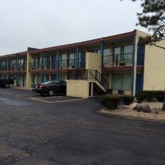 Отель Budget Inn East Columbus Колумбус парковка