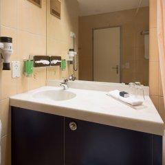 Отель STAY@Zurich Airport Швейцария, Глаттбруг - отзывы, цены и фото номеров - забронировать отель STAY@Zurich Airport онлайн ванная фото 2