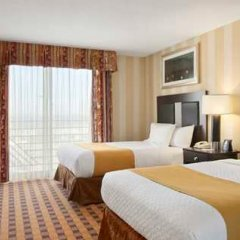 Отель Embassy Suites by Hilton Minneapolis Airport США, Блумингтон - отзывы, цены и фото номеров - забронировать отель Embassy Suites by Hilton Minneapolis Airport онлайн комната для гостей фото 3