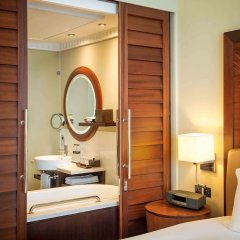 Отель Sofitel Dubai Jumeirah Beach сейф в номере