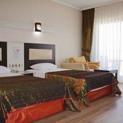 Отель Royal Palace Kusadasi сейф в номере
