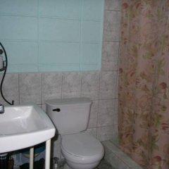 Отель Guesthouse Dos Molinos Гондурас, Сан-Педро-Сула - отзывы, цены и фото номеров - забронировать отель Guesthouse Dos Molinos онлайн ванная фото 2