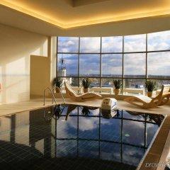 Отель Sheraton Poznan Hotel Польша, Познань - отзывы, цены и фото номеров - забронировать отель Sheraton Poznan Hotel онлайн бассейн