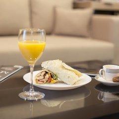 Отель Dominic & Smart Luxury Suites Republic Square в номере фото 2
