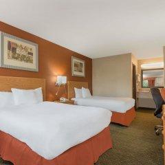Отель Days Inn Columbus Fairgrounds Колумбус комната для гостей фото 5