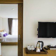 Отель The Lunar Patong удобства в номере