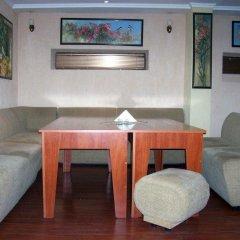Отель Fenerite Family Hotel Болгария, Тырговиште - отзывы, цены и фото номеров - забронировать отель Fenerite Family Hotel онлайн гостиничный бар