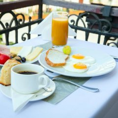 Отель Bristol Hotel Азербайджан, Баку - 9 отзывов об отеле, цены и фото номеров - забронировать отель Bristol Hotel онлайн балкон