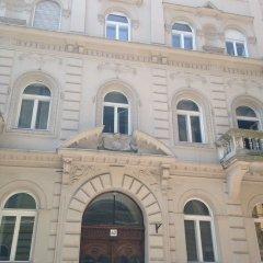 Апартаменты Standard Apartment by Hi5 - Rózsa street Будапешт вид на фасад