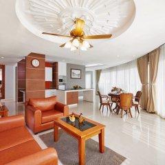 Отель Royal Beach View Suites Паттайя комната для гостей фото 2