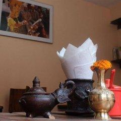 Отель Cosy Hotel Непал, Бхактапур - отзывы, цены и фото номеров - забронировать отель Cosy Hotel онлайн интерьер отеля фото 2