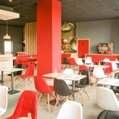 Отель Ibis Sofia Airport Болгария, София - 10 отзывов об отеле, цены и фото номеров - забронировать отель Ibis Sofia Airport онлайн гостиничный бар