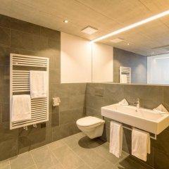 Отель Laagers Hotel Garni Швейцария, Самедан - отзывы, цены и фото номеров - забронировать отель Laagers Hotel Garni онлайн ванная
