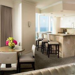 Отель Fontainebleau Miami Beach 4* Люкс с двуспальной кроватью фото 3