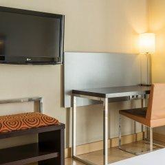 Отель ILUNION Auditori Испания, Барселона - 3 отзыва об отеле, цены и фото номеров - забронировать отель ILUNION Auditori онлайн удобства в номере фото 2