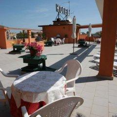 Hotel Solarium Чивитанова-Марке бассейн