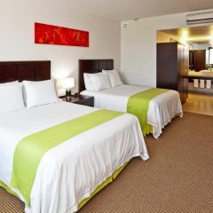 Отель Holiday Inn Express Guadalajara Iteso комната для гостей фото 3