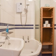 Отель 2 Bedroom Garden Home in Preston Park Брайтон ванная фото 2