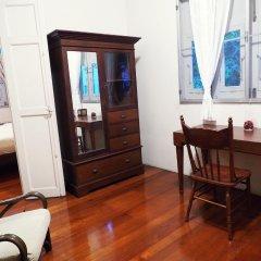 Отель 24 Samsen Heritage House Бангкок комната для гостей