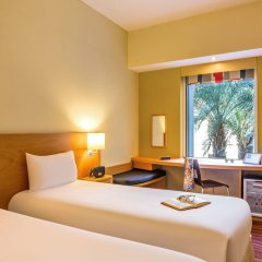 ibis Dubai Mall of the Emirates Hotel комната для гостей фото 3