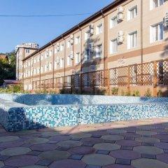Azalia Hotel бассейн