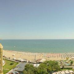 Отель Shipka Beach Болгария, Солнечный берег - отзывы, цены и фото номеров - забронировать отель Shipka Beach онлайн пляж фото 2