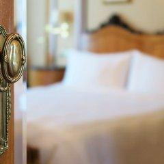 Отель Bristol, a Luxury Collection Hotel, Vienna Австрия, Вена - 3 отзыва об отеле, цены и фото номеров - забронировать отель Bristol, a Luxury Collection Hotel, Vienna онлайн удобства в номере фото 2