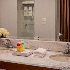 Отель Four Points by Sheraton Manhattan - Chelsea США, Нью-Йорк - отзывы, цены и фото номеров - забронировать отель Four Points by Sheraton Manhattan - Chelsea онлайн ванная фото 2