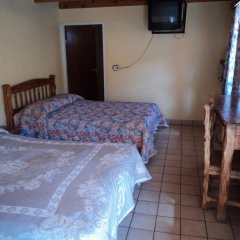 Отель Los Pinos Мексика, Креэль - отзывы, цены и фото номеров - забронировать отель Los Pinos онлайн удобства в номере фото 2