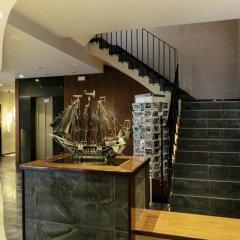 Отель Montecarlo Испания, Курорт Росес - 1 отзыв об отеле, цены и фото номеров - забронировать отель Montecarlo онлайн интерьер отеля фото 3