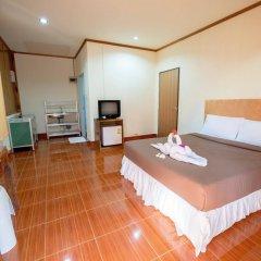 Отель Poonsap Resort Ланта сейф в номере