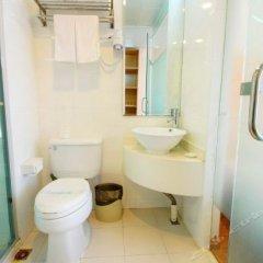 Отель Joyful star Hotel Pu Dong Airport WanXia Китай, Шанхай - 1 отзыв об отеле, цены и фото номеров - забронировать отель Joyful star Hotel Pu Dong Airport WanXia онлайн ванная фото 2