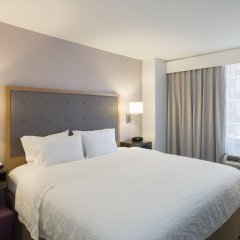 Отель Hampton Inn Manhattan/Times Square South США, Нью-Йорк - отзывы, цены и фото номеров - забронировать отель Hampton Inn Manhattan/Times Square South онлайн комната для гостей фото 4
