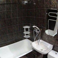 Апартаменты On Day Na Uritskogo 32 Apartments Новосибирск ванная